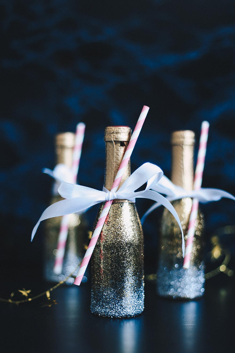 Last-Minute Silvester Idee, Glitter Champagne Bottles, DIY, Interiorblog, New Years Eve, whoismocca.com