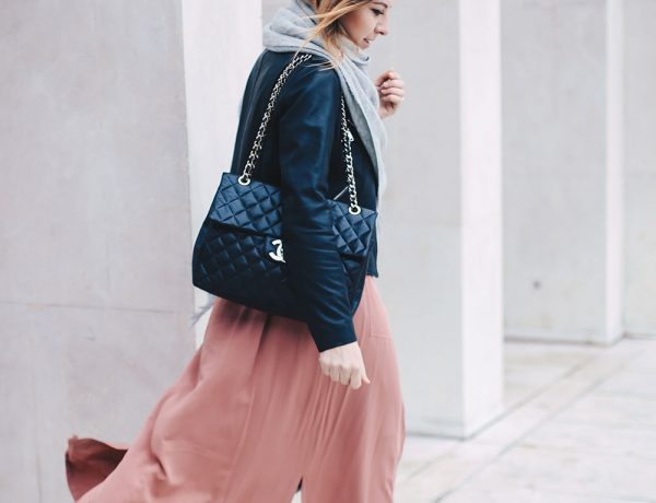 Maxikleid im Winter stylen, Balenciaga Ceinture Boots, Lederjacke im Winter, Chanel Maxi Jumbo Tasche, Layering Outfit, Streetstyle, Fashion Blog, Modeblog, whoismocca.com