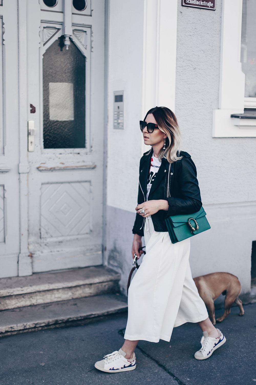 Der Culotte Style: unaufgeregt bequem und chic zugleich, Culotte kombinieren, Culotte im Alltag stylen, Sneakers Outfit, Lederjacke kombinieren, grüne Gucci Dionysus, Fashion Blog, Modeblog, Style Blog, Outfit Blog, www.whoismocca.com