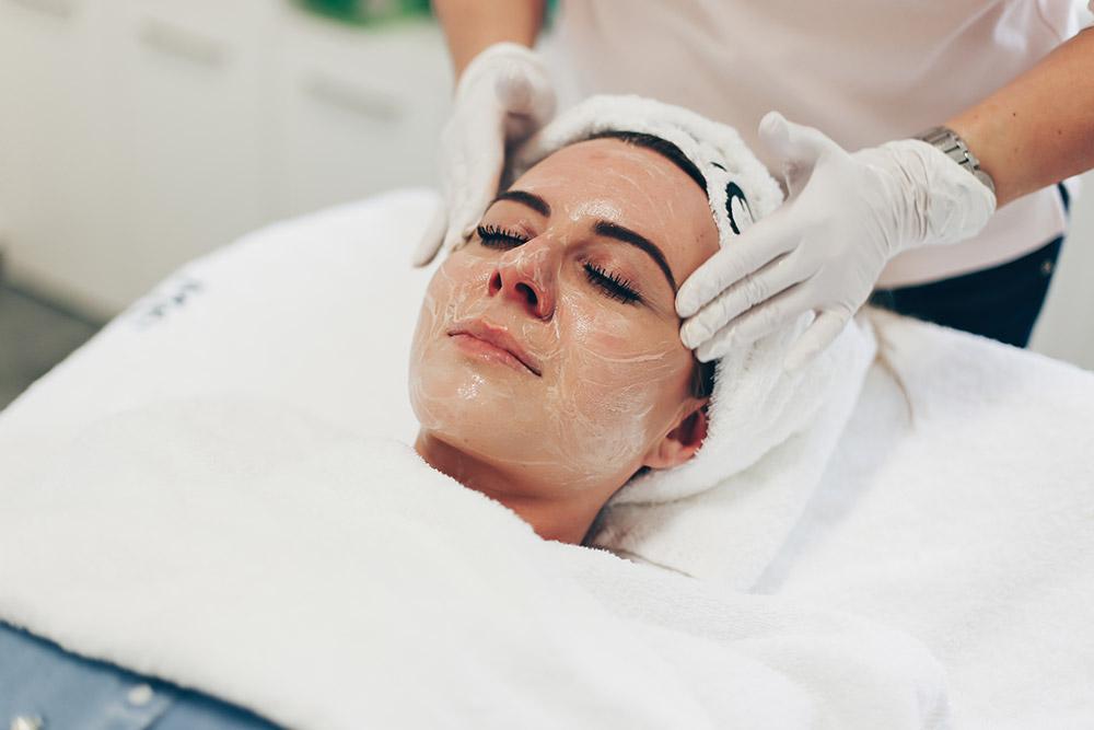 Behandlung von Gesichtsrötungen mit Laser, Rötungen im Gesicht, was hilft dagegen, Behandlung Kosmetikstudio, Laserbehandlung Gesicht, Beauty Blog, Erfahrungsbericht, Vorher Nachher Bilder, www.whoismocca.com