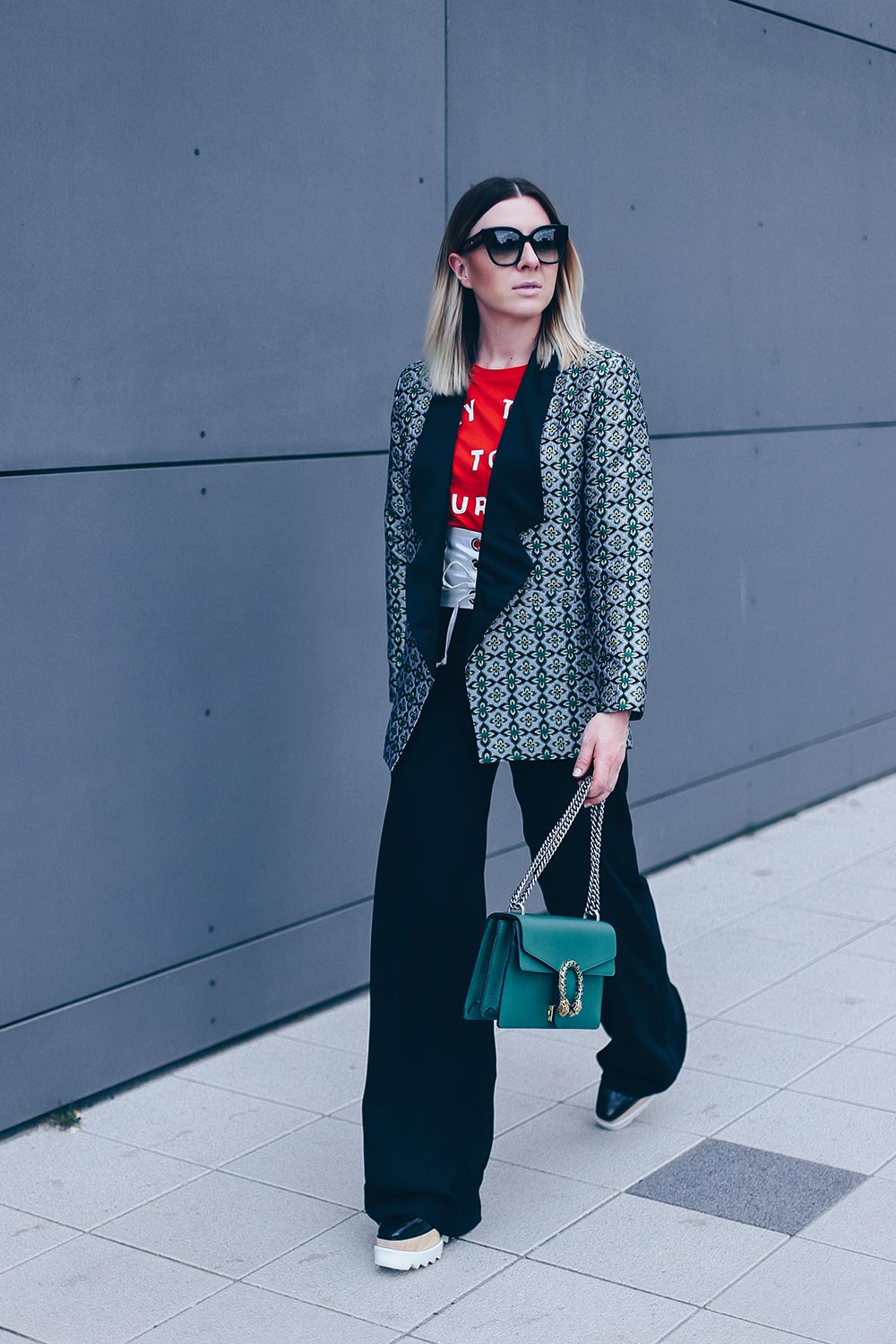 marlene hose styling tipps, Marlenehose outfit, Marlene hose kombinieren, Statement piece, IT piece 2017, style 2017, Office Look, Business casual, Business Style frauen, Büro Outfit damen, Modeblog, Fashion Blog, Style Blog, Kombinations Ideen, Streetstyle 2017, www.whoismocca.com