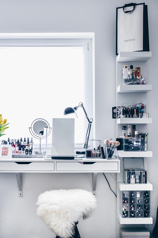meine neue schminkecke inklusive praktischer kosmetikaufbewahrung. Black Bedroom Furniture Sets. Home Design Ideas