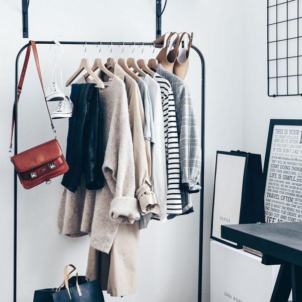 Diese Key-Pieces sollte jede Frau in ihrem Kleiderschrank haben. Wardrobe Key-Pieces, wardrobe key pieces, Closet Essentials, Wardrobe Essentials, Wardrobe Basics Checklist, Must haves im kleiderschrank, essentials Kleidung, wardrobe essentials checklist, wardrobe basics checklist real simple, must haves basics frauen, Kleiderschrank basics, wardrobe essentials 2017, fashion must haves 2017, kleiderschrank basics, fashion basics casual, www.whoismocca.com
