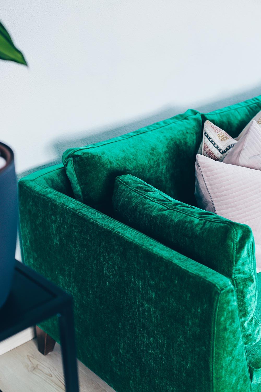 unsere neue wohnzimmer einrichtung in gr n grau und rosa. Black Bedroom Furniture Sets. Home Design Ideas