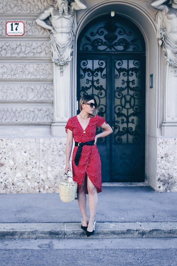 Must-have Kleid im Sommer, Wickelkleid mit Print kombinieren, Dior Jadior Pumps, Birkin Basket, Realisation Par Dupe, Lookalike Kleid, Fashion Blog, Modeblog, Outfit Blog, Style Blog, www.whoismocca.com