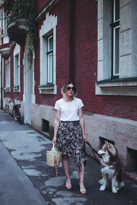 Summer Essential, Isabel Marant Etoile Print Rock, Volantrock kombinieren, Jane Birkin Basket, Strap You Guitar Strap, Fashion Blogger, Modeblog, Style Blog, Outfit Blog, Streetstyle, Innsbruck, Tirol Blogger, www.whoismocca.com