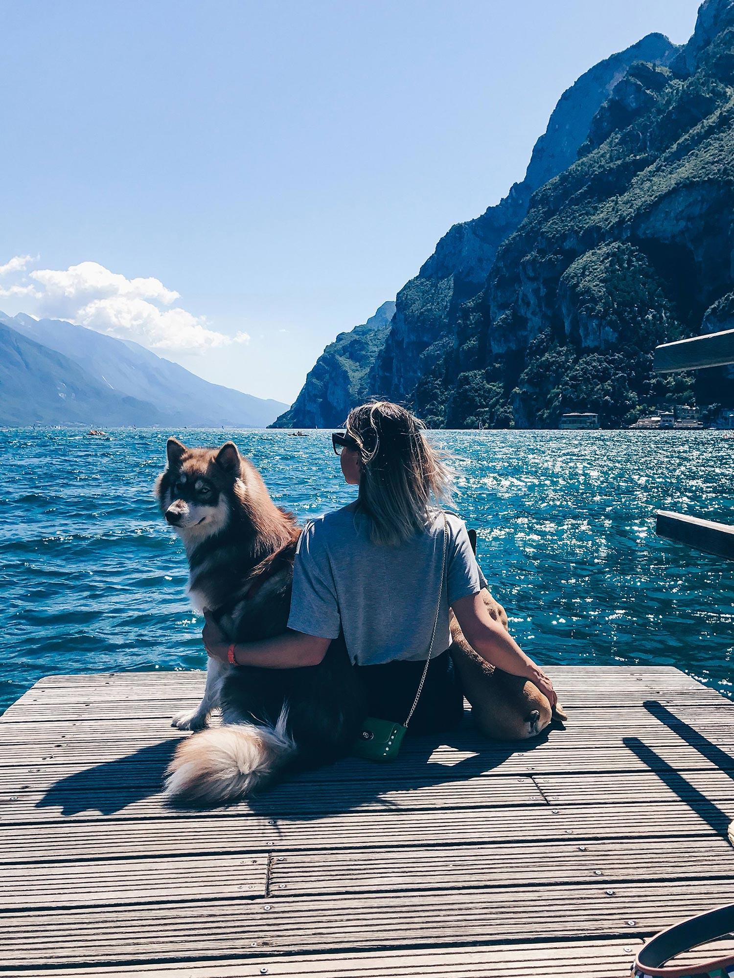 Urlaub mit Hund am Gardasee, Reise Tipps, Reiseblog Tipps, Hotels mit Hund, Restaurants, Torri del Benaco, Malcesine, Style Blog, Magazin, www.whoismocca.com