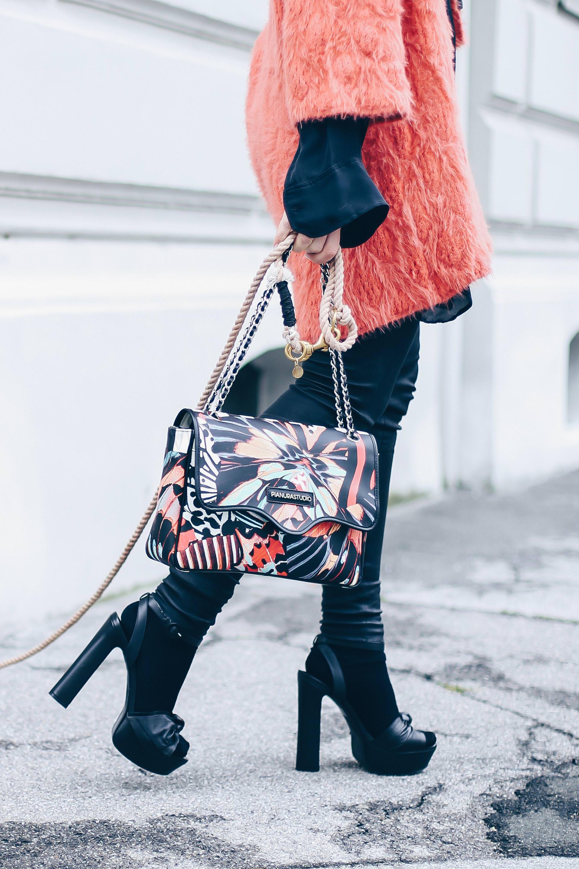 Herbst Outfit mit Cardigan und Plateau Sandalen, BestSecret Erfahrungen, BestSecret Einladung, Pianura Studio Tasche, Frenchie, Style Blog, Modeblog, Fashion Blog, Outfit Blog, Apricot Trendfarbe, www.whoismocca.com