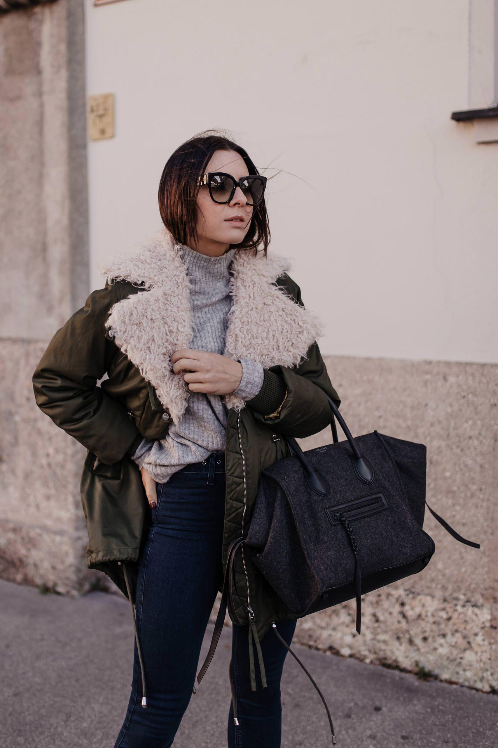 Was macht diesen Mantel eigentlich zum Dauerbrenner? Und zu welchen Outfits kann man einen Parka in Khaki kombinieren? Alles dazu am Modeblog www.whoismocca.com
