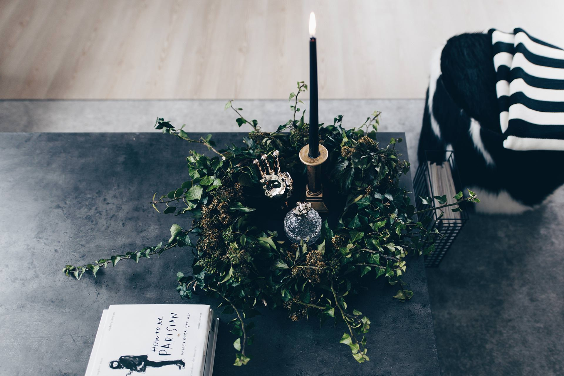 Coffee Table Deko Idee, Efeukranz selber binden und machen, Anleitung, DIY, DIY für zuhause und für die Wohnung, Ideen für moderne und einfache Kränze, www.whoismocca.com