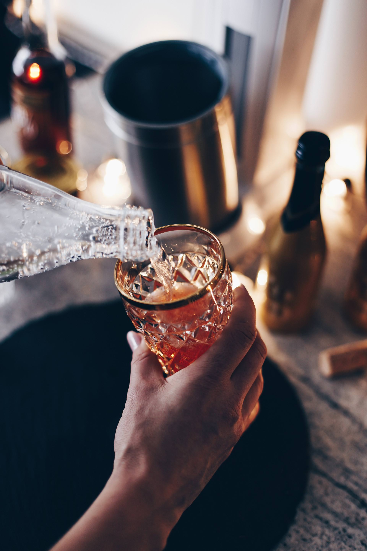 Sparkling Gold Sirup, Sodastream Sparkling Gold Sirup, Longdrink Rezept mit rum, Longdrink Rezept mit Alkohol, Sodastream crystal, Sodastream Rezepte, Sodastream Drinks, Blogger Gewinnspiele Adventskalender, Style Blog, www.whoismocca.com