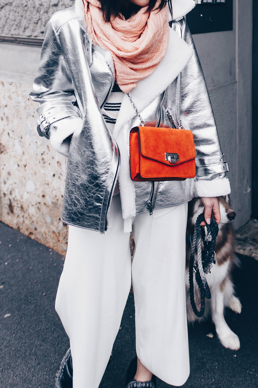 Winter Outfit mit Culotte stylen, Culotte im Winter tragen und kombinieren, Outfit mit MOU Boots, Outfit mit Pilotenjacke, orange Tasche, Outfit Idee, Fashion Blog, Modeblog, Outfits Blog, www.whoismocca.com