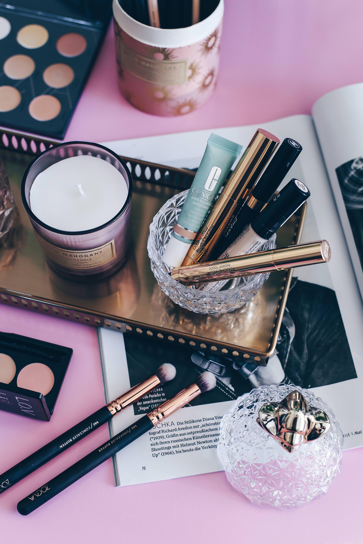 wie lange ist kosmetik haltbar, Beauty Inventur, wie lange hält make-up, wie lange hält eine creme, Beauty Blog, make up länger haltbar machen, make up Haltbarkeit, wie lange ist kosmetik ungeöffnet haltbar, Erfahrungsbericht, Beauty Blogger, www.whoismocca.com