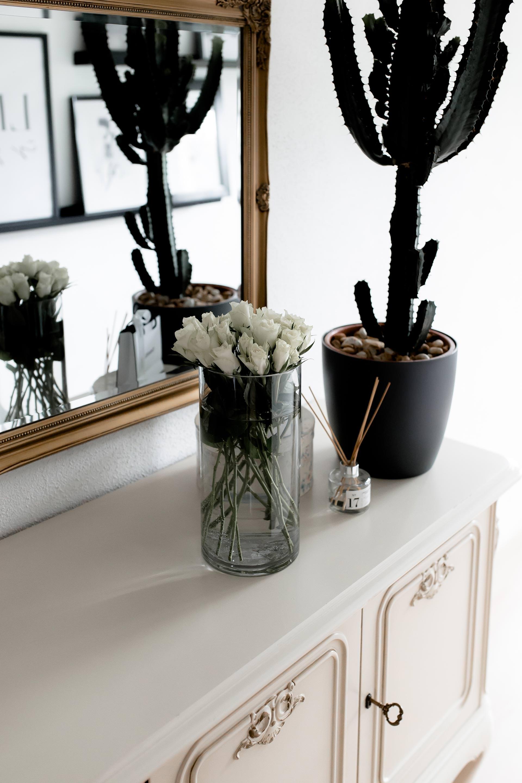 Anzeige, wohin mit den alten Möbeln die man nicht mehr braucht, Wohin mit gebrauchten Möbeln, Wohnung ausmisten und entrümpeln, Tipps und Tricks für eine schöne Wohnung, Vintage Möbel und Upcycling, #dekotipps #upcycling #interior Interior Magazin, www.whoismocca.com