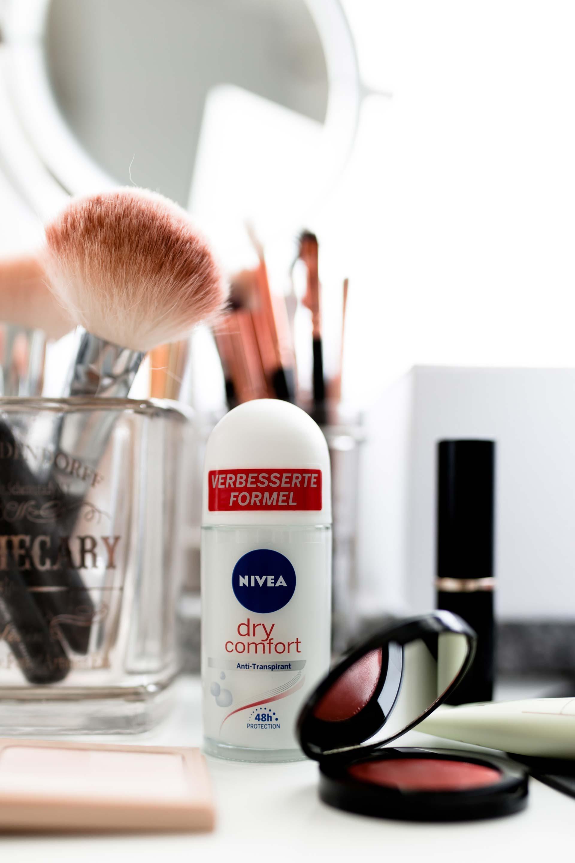 Anzeige, Nivea Dry Active und Comfort Deos im Real Life Test, #NiveaDryRealLifeChallenge, Erfahrungsbericht, #reallifetested, Nivea Dry Comfort, Nivea Dry Active, Deos im Test, Deo Spray, Deo Roll-On, 48 h Schutz für Job und Alltag, #beautyblogger, #beautytipps #summer #beauty www.whoismocca.com