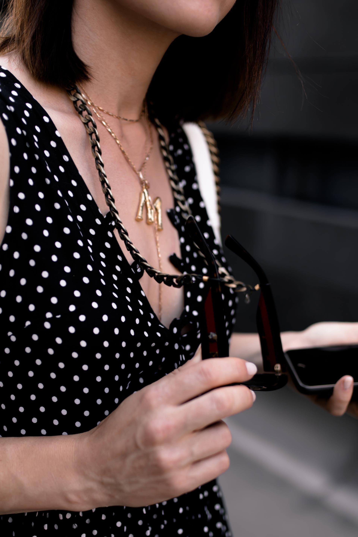 enthält unbeauftragte Werbung, Brillenketten Trend online kaufen, Brillenketten in Gold, Schwarz und Silber, Brillenkette mit Quasten und Perlen, Brillenbänder mit Ring und Quasten, Mode und Styling Tipps, Online Shopping Tipps, Modetrends Herbst 2018, Herbstmode, Herbsttrends, www.whoismocca.com #brillenkette #framechain #brillenband #herbstmode #modetrends #styling #shopping