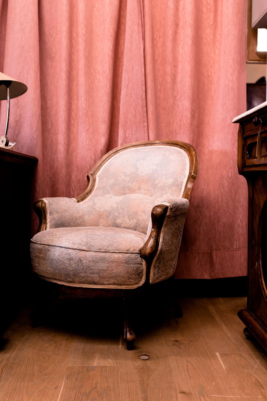Anzeige. Vintage Möbel Shopping,vintage möbel innsbruck, vintage möbel günstig, vintage möbel kaufen, mit Vintage möbel geld verdienen, vintage mit modern kombinieren, vintage möbel, vintage möbel einrichtung, vintage möbel einzelstücke, wohnung vintage dekorieren, wohnen vintage style, vintage möbel flohmarkt, Wohnung einrichten mit wenig geld, Wohnung einrichten mit kleinem budget, gebrauchte möbel kaufen, Einrichtungstipps, Interior Blog, Einrichtungsideen, Interior Magazin, www.whoismocca.com #interior #einrichtungsideen #vintage #shopping #secondhand #tirol #innsbruck #einrichtung