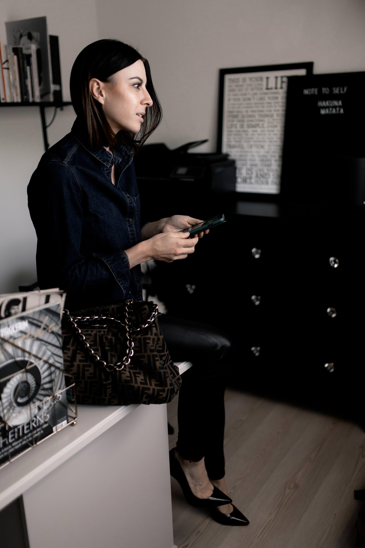 Anzeige. Aktien verstehen lernen, Karriereinterview Isabella de Krassny, Frauen im Job, Entrepreneur, Karriere Tipps, Aktien Trophy, Apropos Geld Finanzblog, s IMMO ag, finanzwissen für alle, finanzwissen für dummies, Karriere Blog, Aktien für Anfänger, www.whoismocca.com #aktien #aktientrophy #finanzwissen #karriere #geld #karriereblog #finanzblog