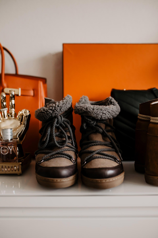 enthält unbeauftragte Werbung. welche schuhe trägt man im winter,isabel marant nowles bootsreview, winterstiefel für frauen, perfekte winterschuhe, winter boots online shopping, Winterstiefel online kaufen, isabel marant Schuhe kaufen, warme winter boots für damen,Schuhe für kalte tage, Schuhe für kalte füße, Schuhe für den winter, Modeblog, www.whoismocca.com #isabelmarant #nowlesboots #wintertrends #winterboots #modetrends #winterschuhe