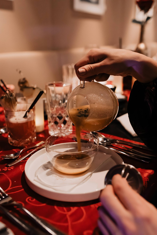 Anzeige. Mit Freundin im Casino Innsbruck,dinner & casino innsbruck, Casino Abend,abend beschäftigung unter der woche,abendunterhaltung,abendunternehmungen,abend unternehmungen zu zweit,abend mit freunden ideen, Lifestyle Blog, Tirolblog, www.whoismocca.com #dinnercasino #casino #casinoinnsbruck #tirolblog #abendprogramm #abendunterhaltung #abendunternehmung
