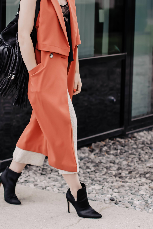 Outfits für den frühling,Outfits zusammenstellen leicht gemacht,Fashion Formel,Outfits zusammenstellen lassen,Outfit Ideen für jeden Tag,Modetrends 2019,was ist im Frühling 2019 modern,Mode Tipps,outfit ideen frühling,Outfit shoppen,Frühlingsmode,Garderobe zusammenstellen,Frühlingsoutfit #fashionformel #modetrends #frühlinsgtrends #outfit