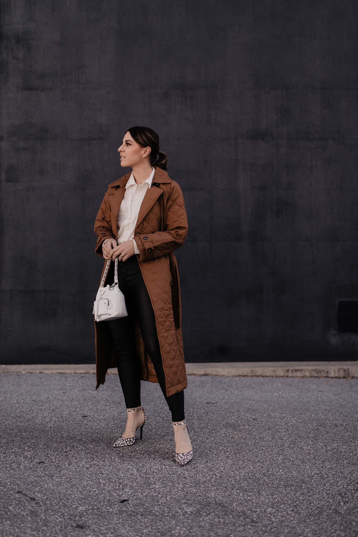 Auf meinem Modeblog habe ich heute 10 schöne Herbst-Outfits für dich gesammelt. Klick dich rein für alltagstaugliche Outfit-Ideen, legere Business-Styles und lässige Freizeit-Looks. www.whoismocca.com #lookbook #herbstoutfits