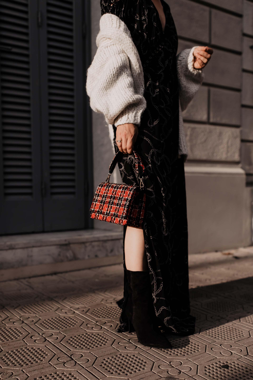 So gut kannst du das Maxikleid im Herbst tragen. Auf meinem Modeblog zeige ich dir heute ein neues Herbst Outfit sowie passende Styling-Tipps für Maxikleider in der kühlen Jahreszeit. www.whoismocca.com #maxikleid #herbstoutfit #modetrends