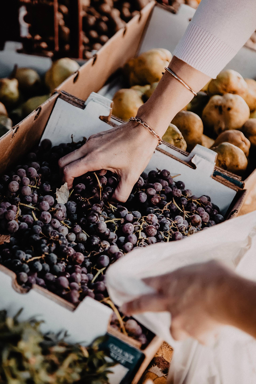 So kannst du Nachhaltigkeit im Alltag umsetzen! Auf dem Blog habe ich heute einfache Tipps, wie du nachhaltiger leben und konsumieren kannst – und das ohne viel Aufwand.www.whoismocca.com #nachhaltigkeit #fairfashion #nachhaltigerleben