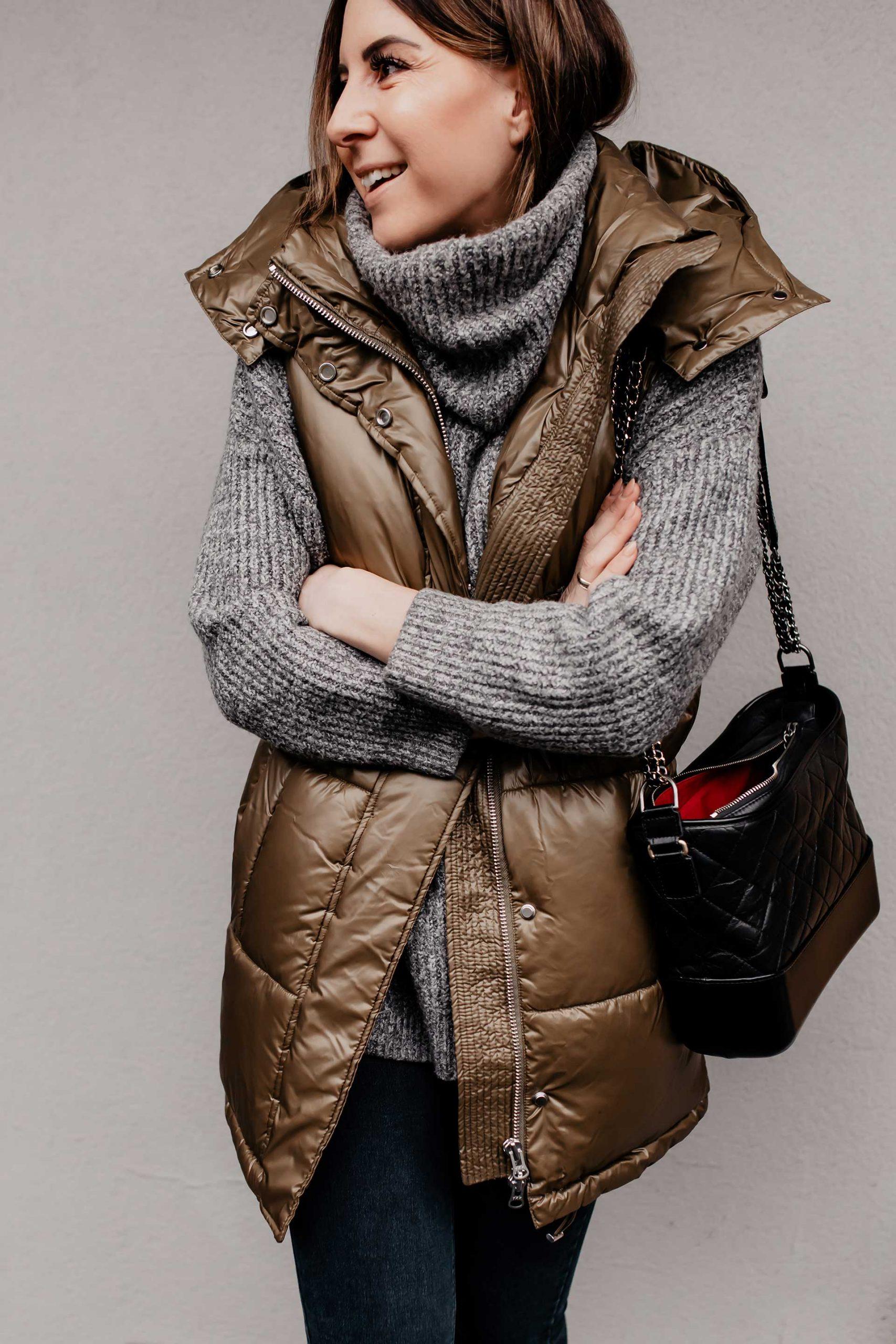Du willst die schönsten Trends der Wintermode 2019/20 entdecken? Auf meinem Fashion Blog zeige ich dir die aktuellen Wintertrends mit passenden Outfits für kalte Tage. Ich beantworte dir die Was ist im Winter modern Frage und habe on top noch die passenden Shopping-Tipps für dich. www.whoismocca.com #wintertrends #wintermode #modetrends