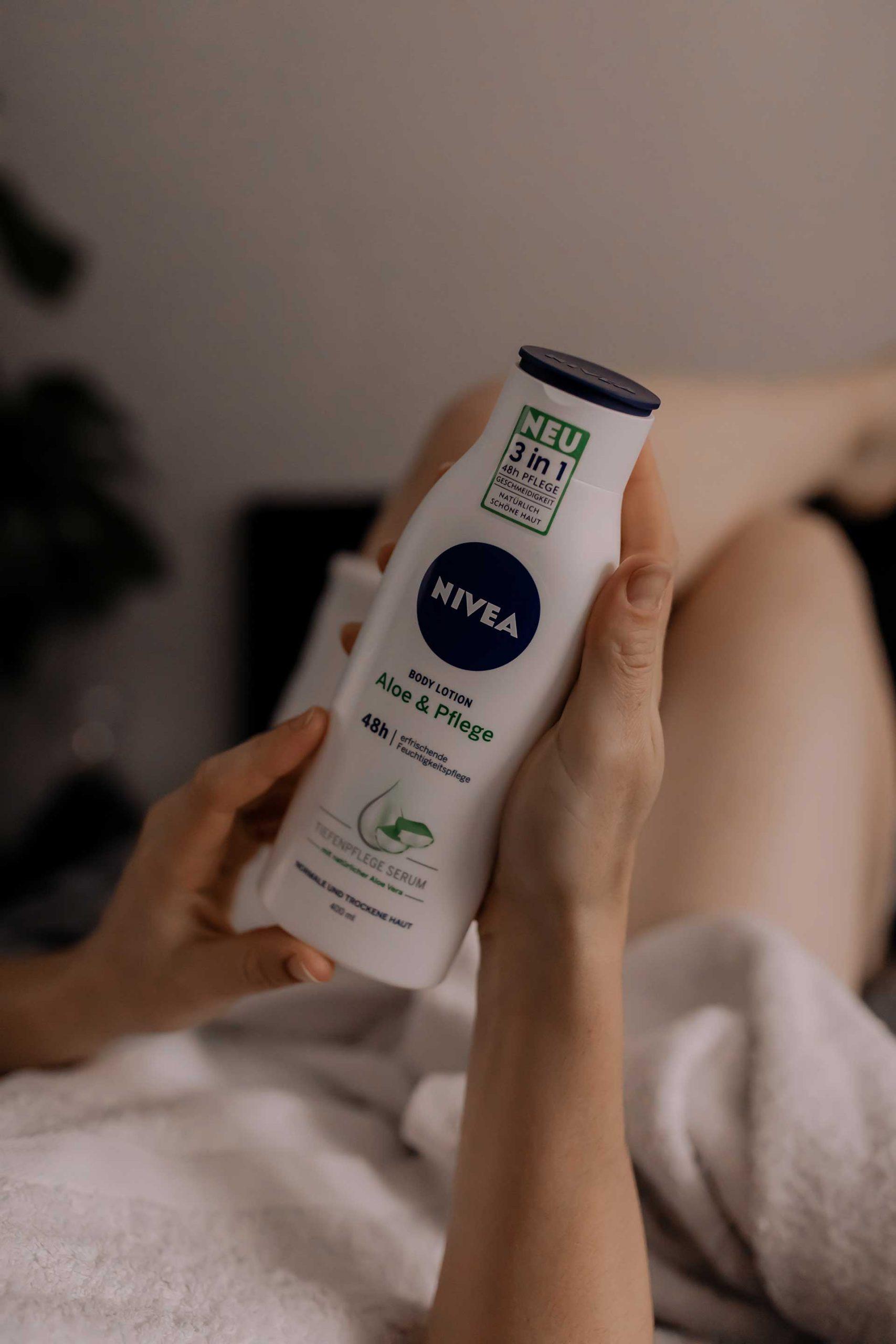 Anzeige. Ich habe neue Beauty-Tipps am Blog für dich gesammelt und stelle dir meine Winter-Hautpflege mit Aloe Vera vor. Weißt du schon, warum Aloe Vera ein echtes Wundermittel ist? www.whoismocca.com #hautpflege #beautytipps #aloevera #beautyblogger
