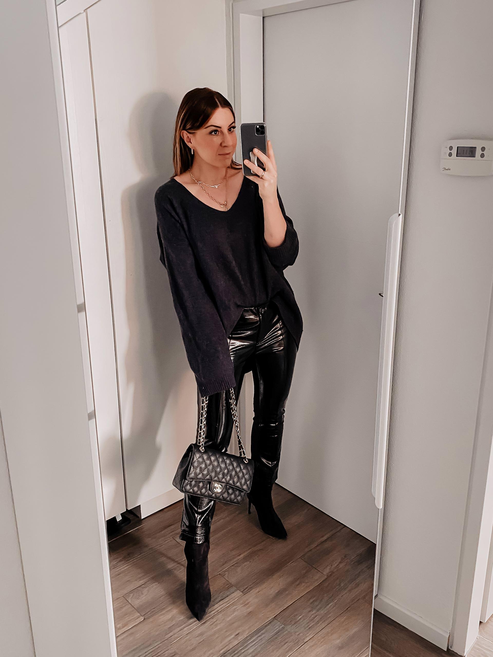 5 Outfits mit Lederhose gibt es am Modeblog zu entdecken. Ich zeige dir, wie gut sich verschiedene Lederhosen im Alltag kombinieren lassen und wie du gut gestylt in den Frühling startest. www.whoismocca.com #lederhose #lookbook #outfits #frühlingsoutfit