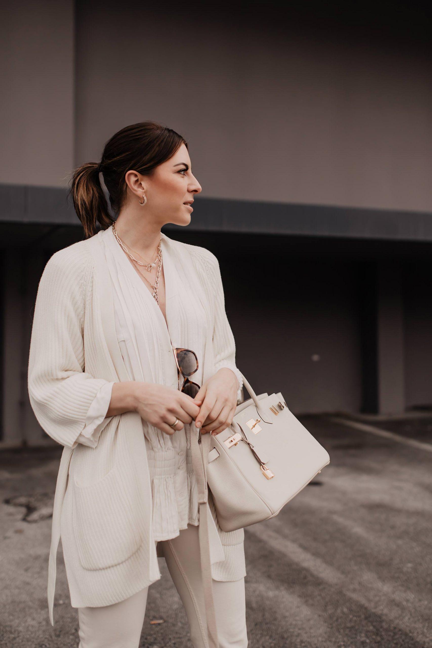 Was ist im Frühling modern? Ich zeige dir 24schöne Frühlings-Trends für 2020, die gemeinsam eine wunderbare Capsule Wardrobe für deine Spring Looks ergeben. Viel Spaß mit den aktuellen Trends am Modeblog www.whoismocca.com #frühlingstrends #modetrends #frühling2020