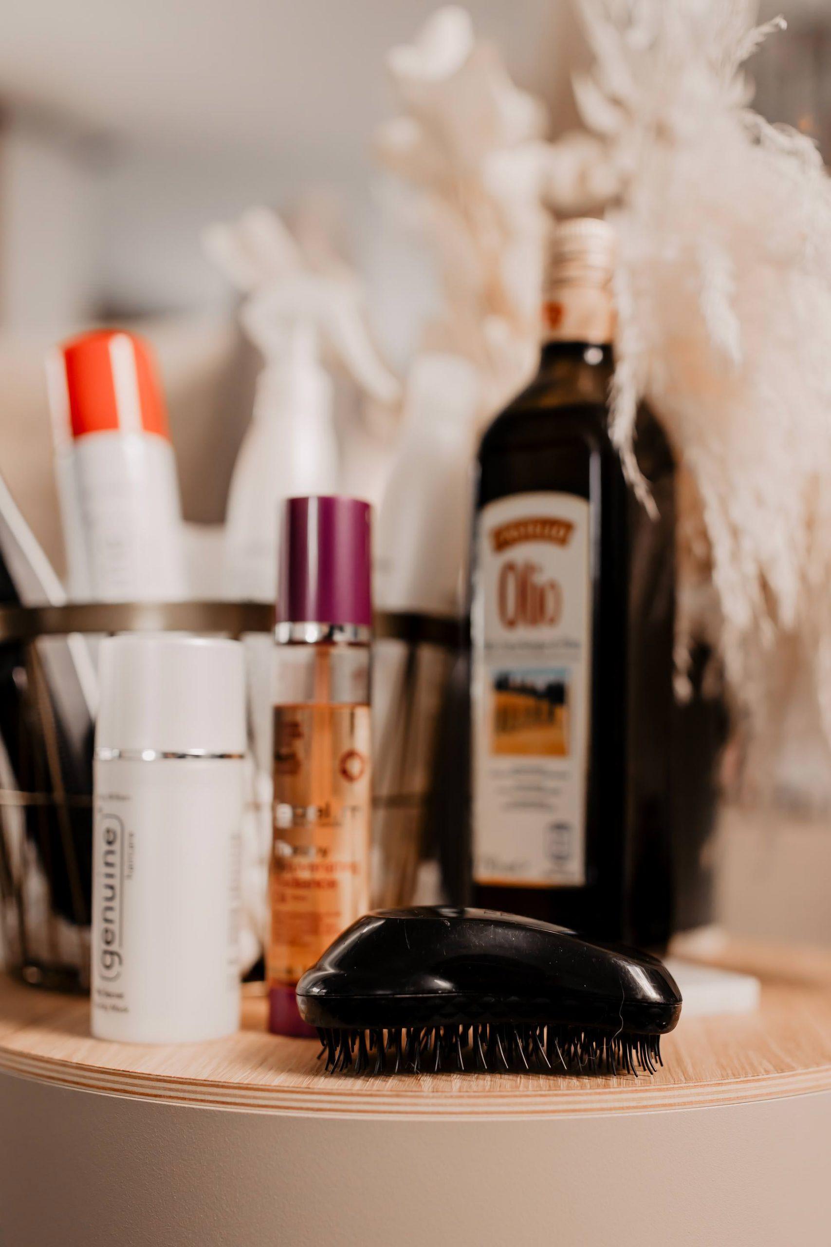 Produktplatzierung. Mit einfachen Beauty-Tipps und -Tricks lassen sich schöne Haare nahezu herbei zaubern! Heute zeige ich dir, wie du deine Haare richtig pflegen kannst und welche Tipps für schöne Haare mir geholfen haben. www.whoismocca.com #haarpflege #schönehaare #beautytipps