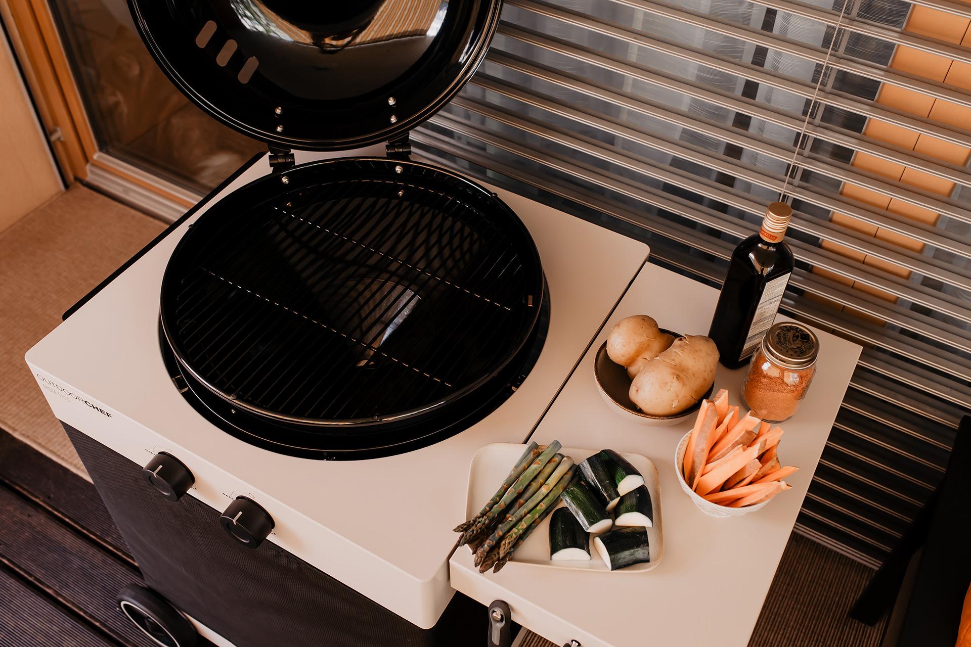 Anzeige. DerArosa 570 G Tex ist ein Gas-Kugelgrill ganz nach deinem Geschmack! Was es mit dem Grill auf sich hat und warum er richtig wandelbar ist, verrate ich dir jetzt auf meinem Interior Blog www.whoismocca.com #gasgrill #outdoorchef #arosa570gtex