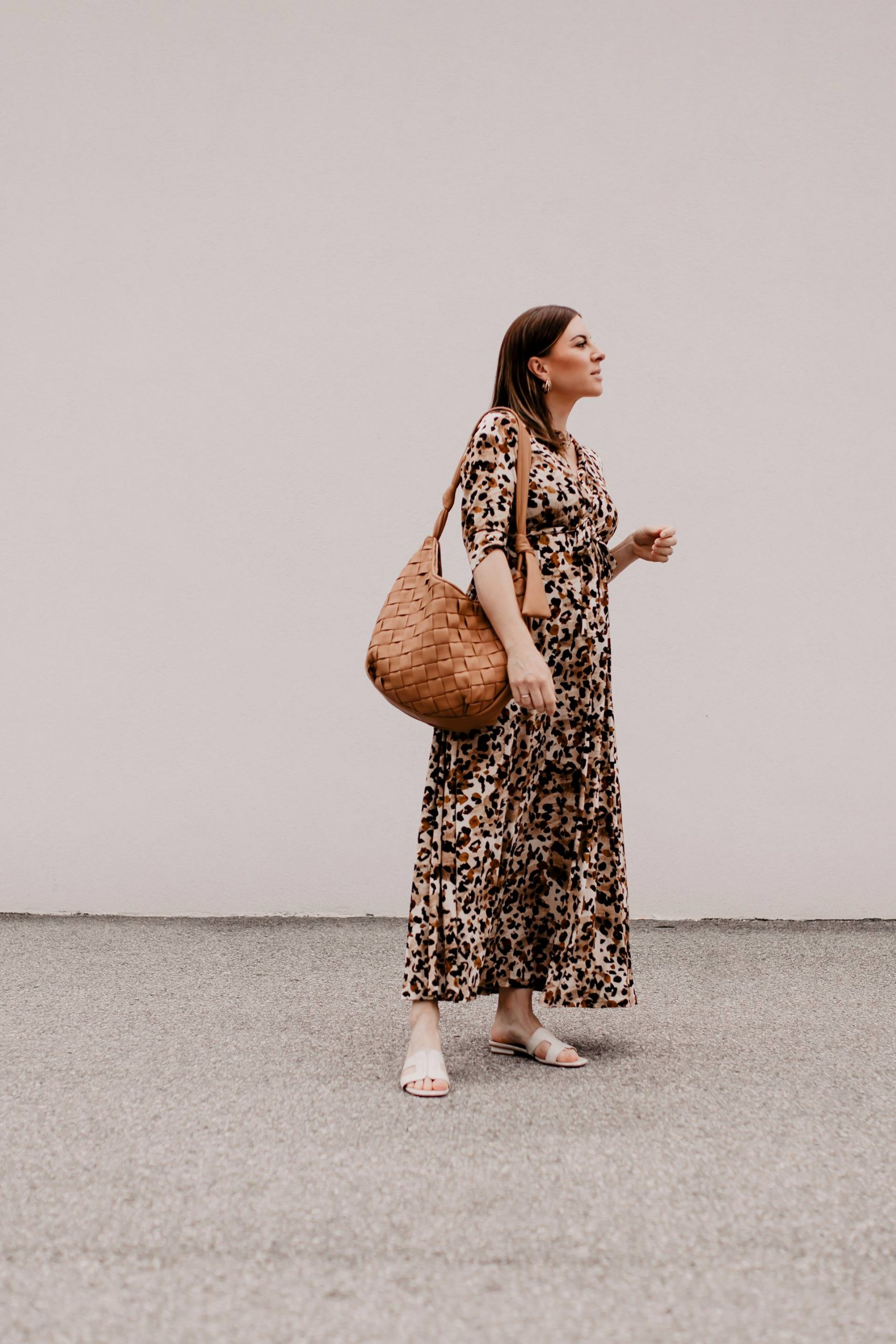 Produktempfehlungen. Am Modeblog findest du heute die schönsten Maxikleider für den Sommer plus passende Styling-Tipps on top! www.whoismocca.com