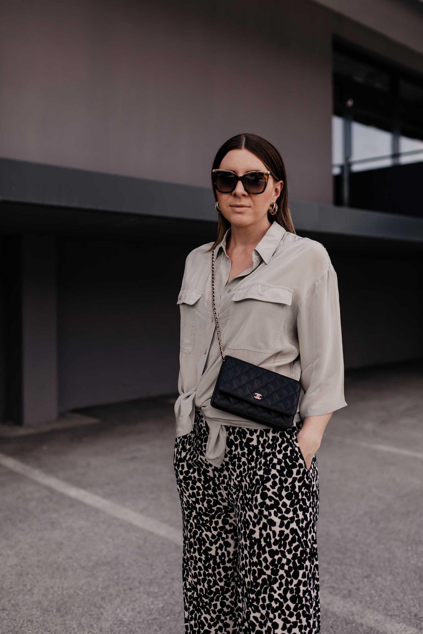 Ich zeige dir am #Modeblog, wie gut man eine #Palazzohose kombinieren und Bequemlichkeit sowie eine Prise Eleganz vereinen kann. www.whoismocca.com