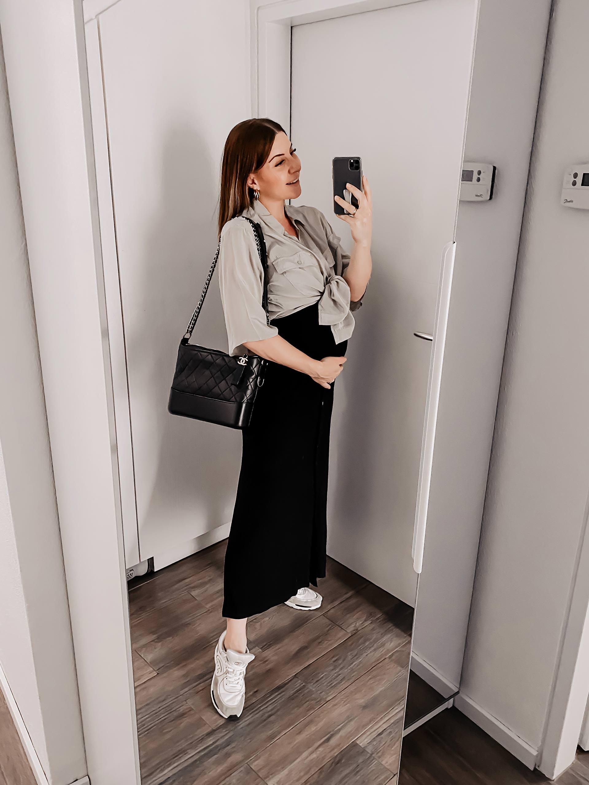 Was ziehe ich morgen an? Meine Schwangerschaftsoutfits für das 2. Trimester findest du jetzt am Modeblog. Ich bin nun gute 6 Monate schwanger und zeige dir heute meine liebsten Mama-to-be-Outfits. www.whoismocca.com
