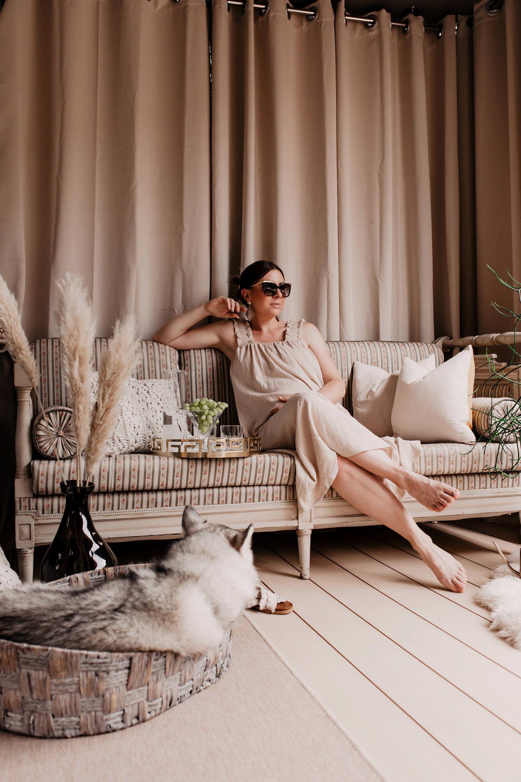 Gerade jetzt, wo sich alles um Corona und die erschwerte Reisezeit dreht, ist der Urlaub in der Ferne sehr umstritten.Urlaub Zuhause lautet daher das Motto, denn Entspannung kannst du dir nicht nur weit weg von Zuhause gönnen, sondern auch in deinen eigenen 4 Wänden! So kannst du dir den Urlaub ganz einfach nach Hause zaubern: www.whoismocca.com
