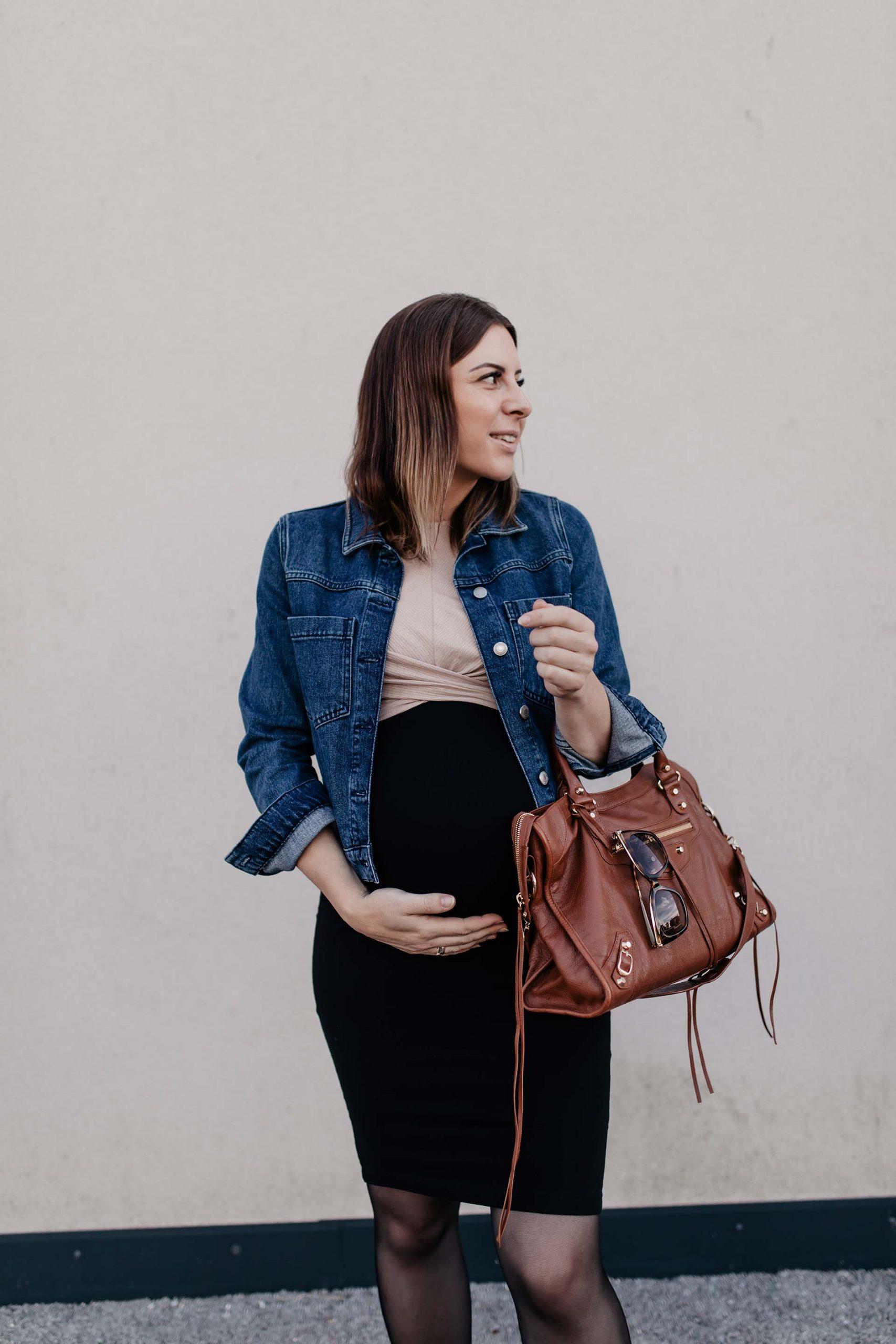 Am Mamablog findest du 3 Herbst Outfits für Schwangere, dich ich gerade am liebsten trage. Hochschwanger, im 10. Schwangerschaftsmonat und das ganz ohne Umstandsmode! www.whoismocca.com