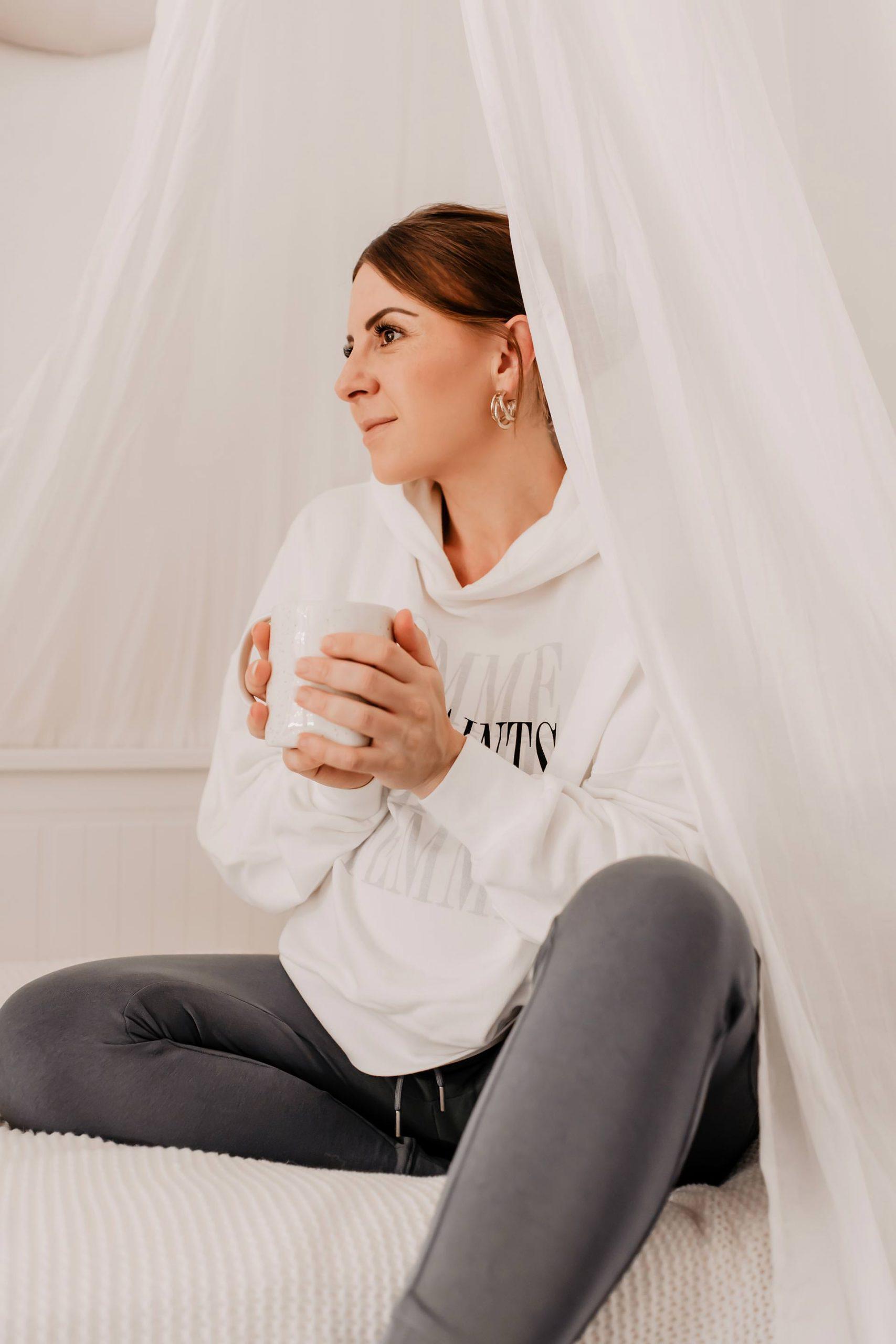 Wir fühlen uns gestresst und sind ständig angespannt und nervös. Mit meinen 7 Tipps gegen innere Unruhe kommst du von nun an entspannt durch den Alltag! www.whoismocca.com