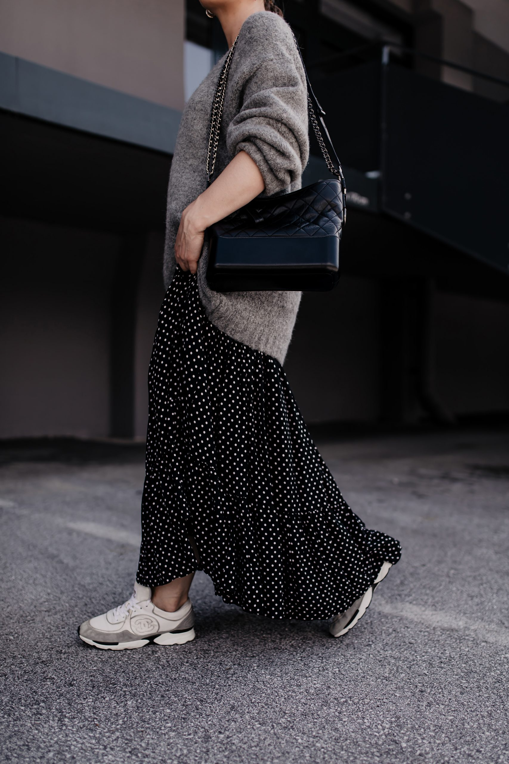 Der Herbst ist einfach unglaublich vielseitig, gerade was Mode und neue Trends betrifft. Heute zeige ich dir hier am Modeblog, wie du dein Maxikleid im Herbst kombinieren kannst. www.whoismocca.com