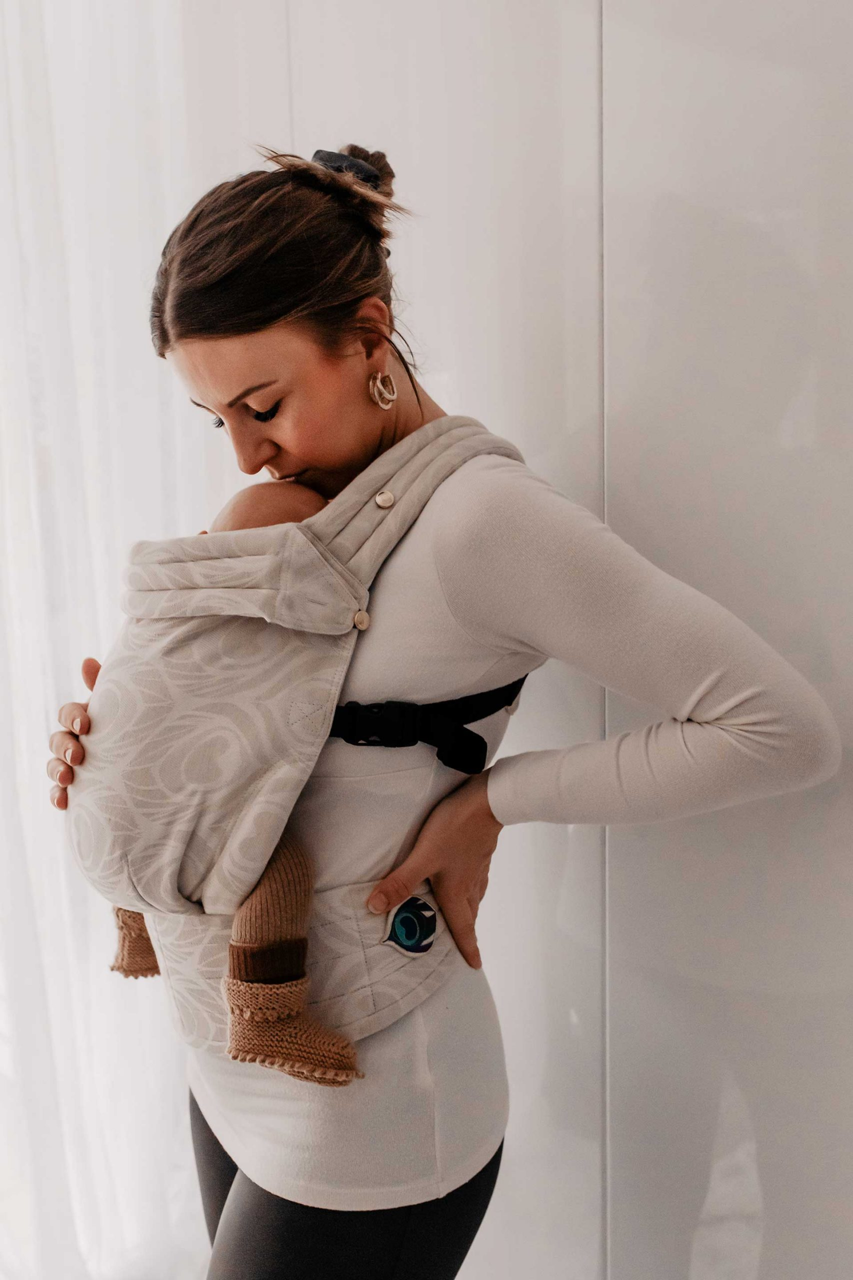 Welche Babytrage ist die Beste? Artipoppe, Kokadi, Fidella, Babybjörn oder Babytuch Tragetuch? Meinen Babytragen-Vergleich gibt es jetzt am Mamablog zu entdecken. www.whoismocca.com