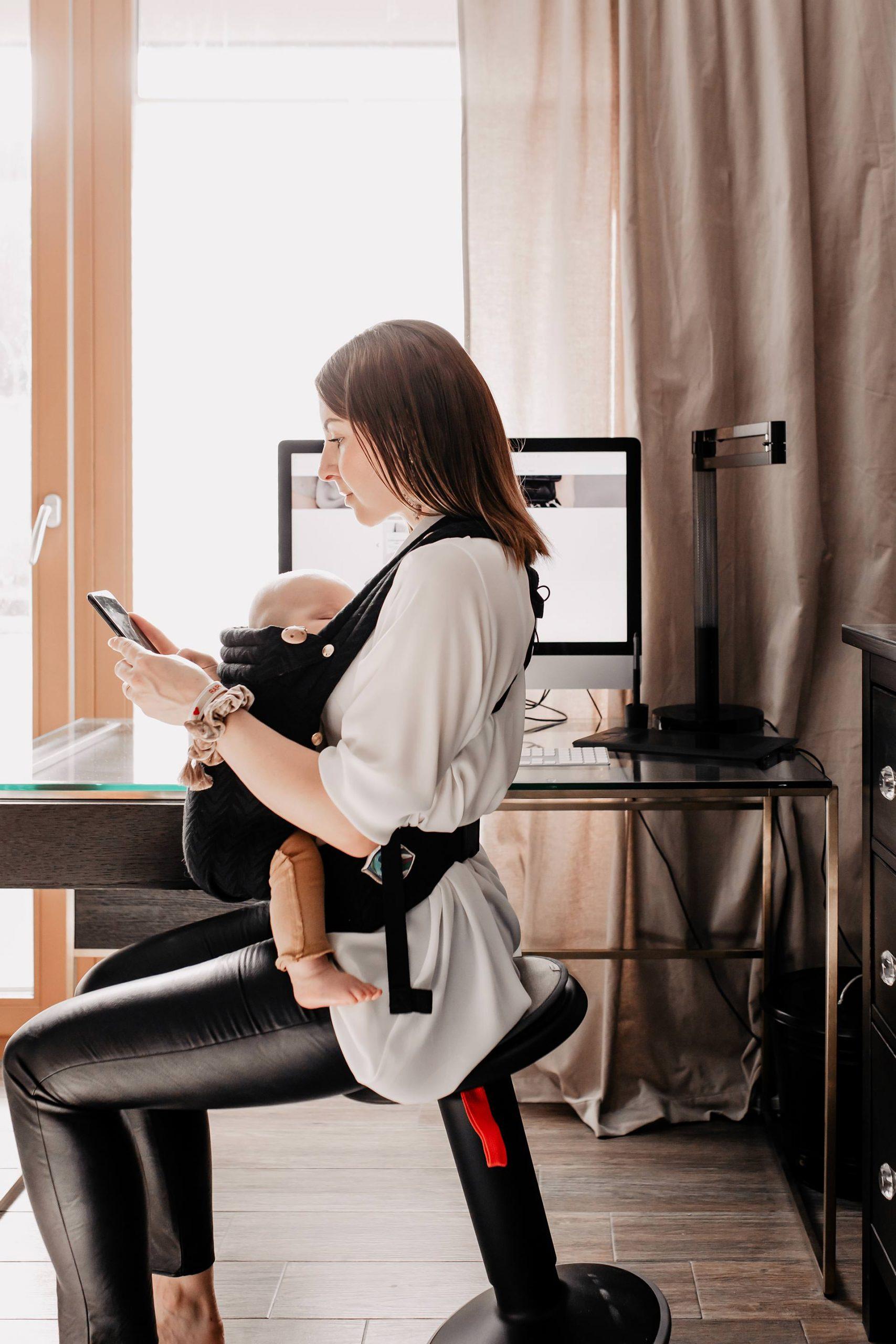 Es gibt bereits viele gute Ansätze dazu, jedoch ist das Thema Home-Office mit Baby definitiv individuell anzusehen. Am Mamablog teile ich meine bisherigen Erfahrungen mit dir. Welche Learnings hatte ich selbst und welche Tipps kann ich dir nun mit auf den Weg geben? www.whoismocca.com