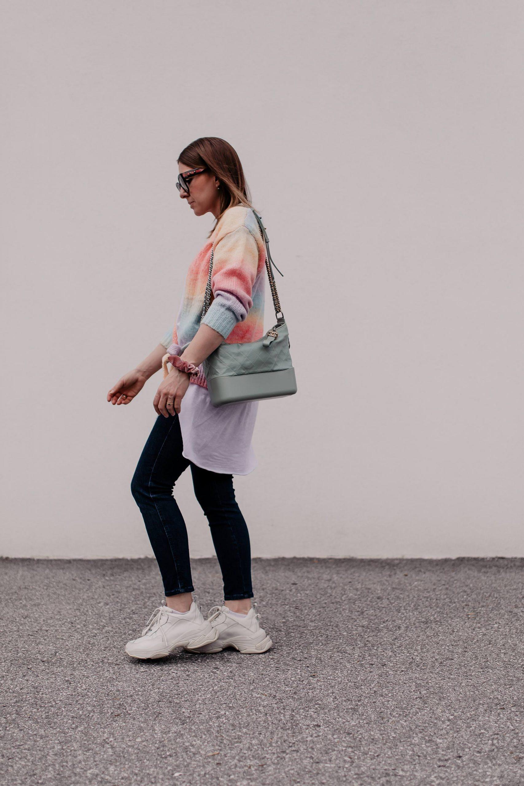 Was ziehe ich morgen an? 5 Frühlingsoutfits für jeden Tag findest du jetzt am Modeblog. www.whoismocca.com