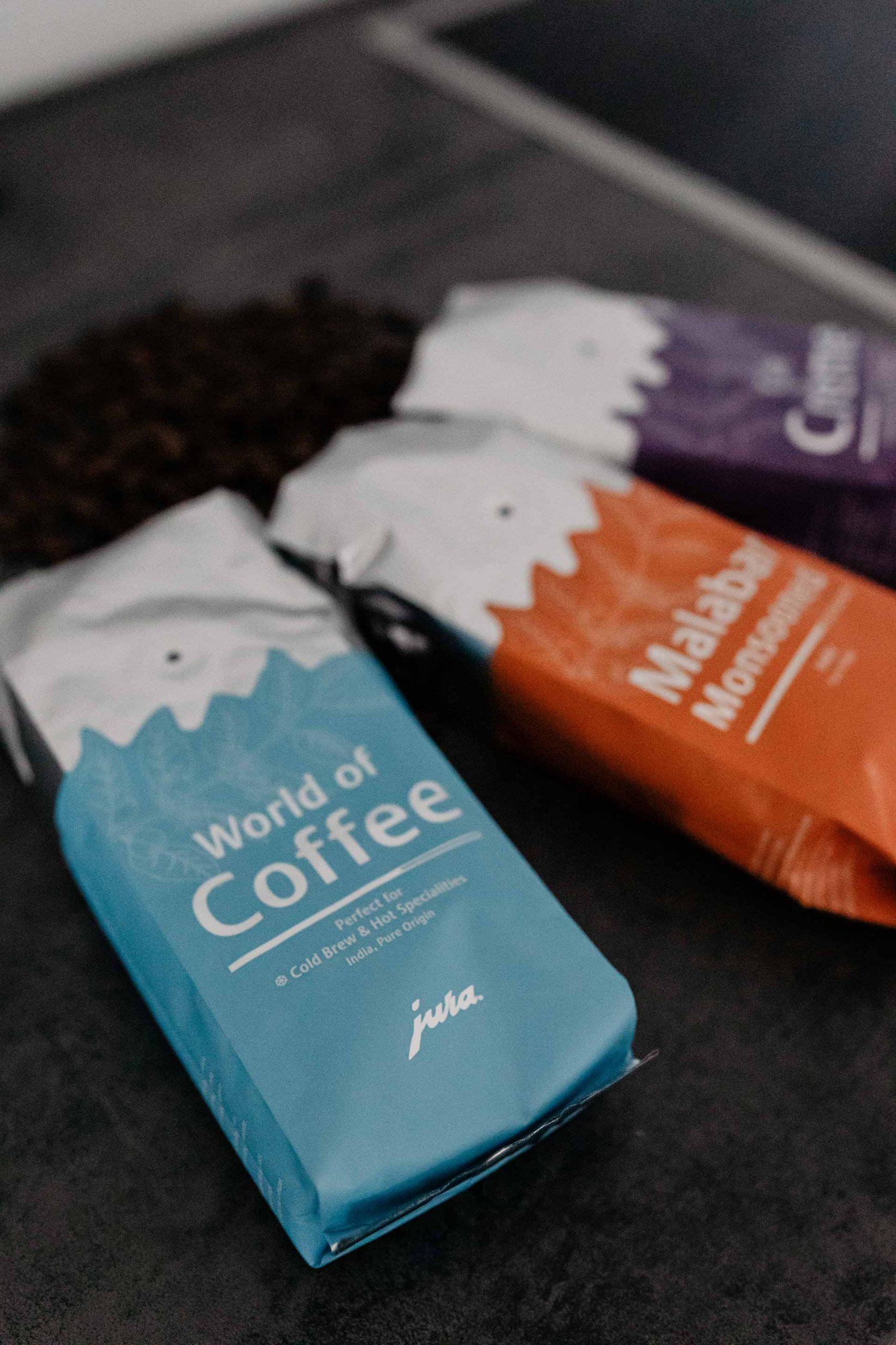 Anzeige. Cold Brew Kaffee ist weitaus mehr, als einfach kalter Kaffee. Was der essentielle Unterschied ist und ein leckeres Cold Brew Coffee Rezept findest du jetzt am Blog. www.whoismocca.com