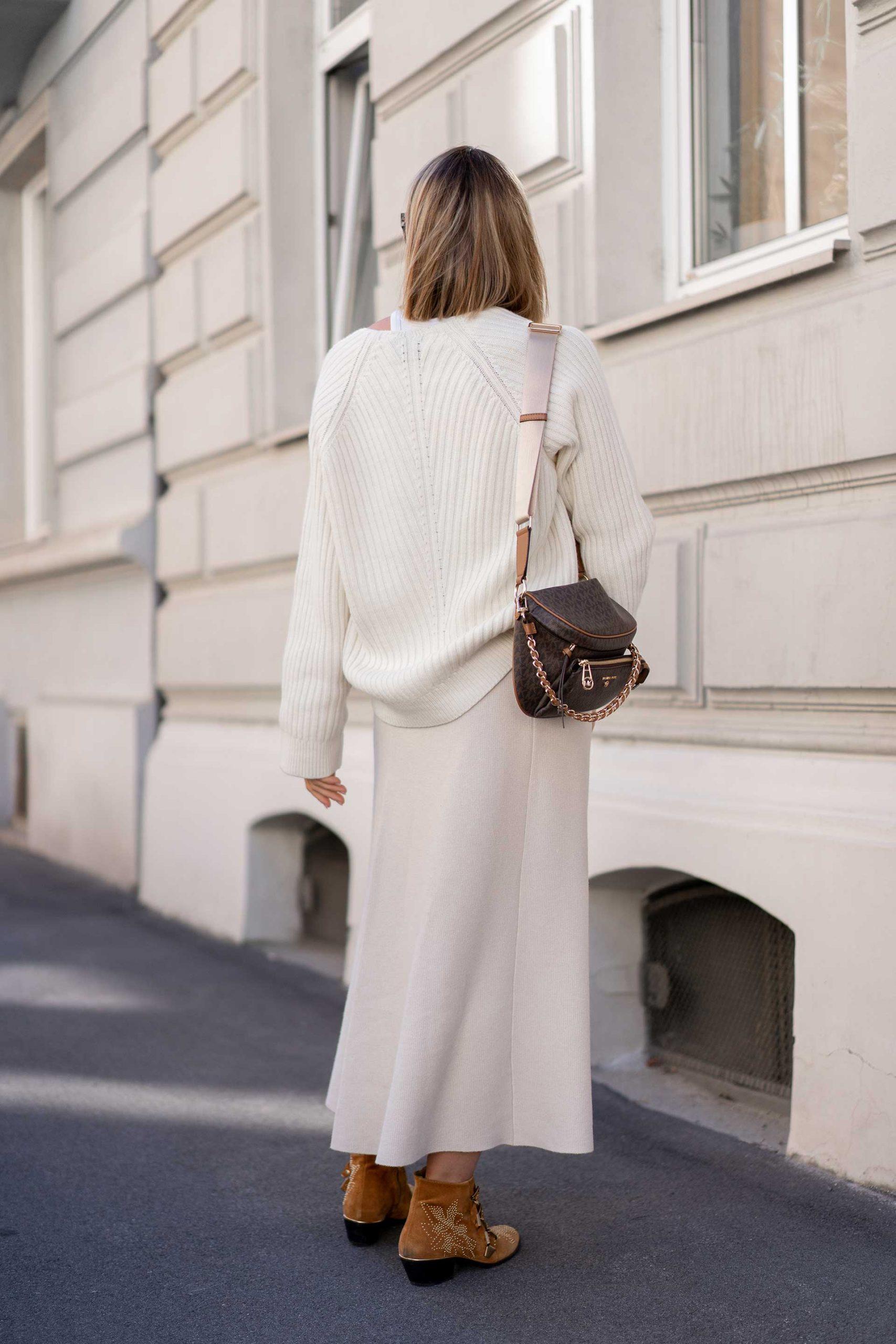 Im heutigen Beitrag am Modeblog zeige ich dirtolle Herbsttrends, die uns Jahr für Jahr modisch einfach nicht im Stich lassen. Vorhang auf für10 Must-haves, die gekommen sind zum zu bleiben! www.whoismocca.com