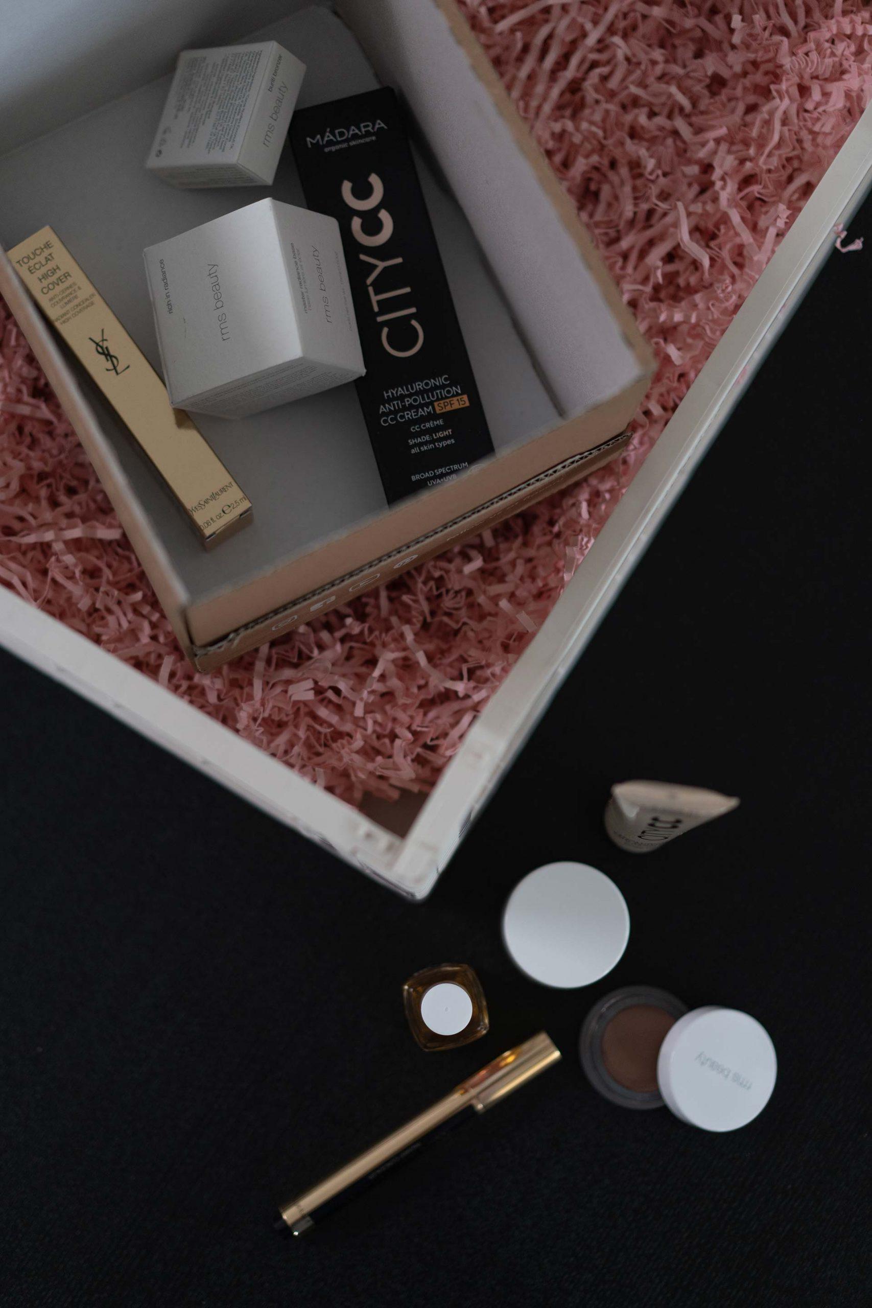 Anzeige. Wenn auch du deine Beautyprodukte online kaufen möchtest, dann habe ich sehr nützliche Tipps für dich am Beautyblog gesammelt. Denn gerade Online gibt es ein paar Dinge zu beachten, bevor man schlussendlich den Bestell-Button klickt. www.whoismocca.com